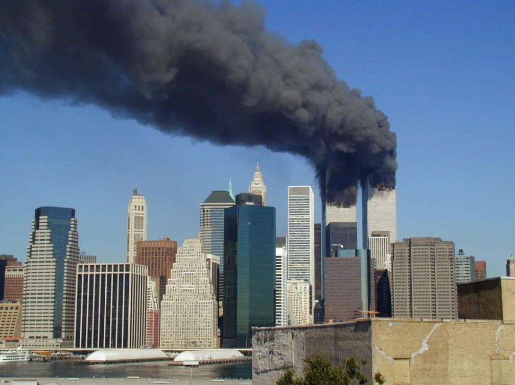 WTC_smoking_on_9-11-e1410454351954